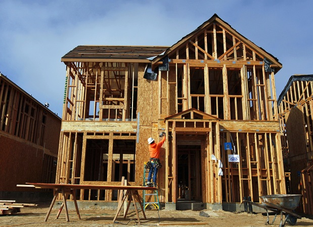 U.S. construction spending rebounds strongly